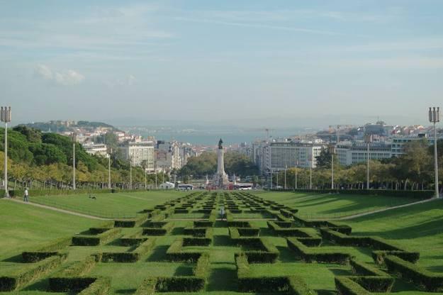 Eduardo VII Park, Lisboa - statue of King Edward VII