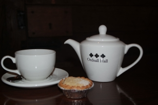 Tea and mince pies